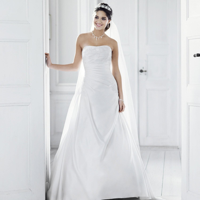 une robe de mari e rouge et blanche la boutique de maud