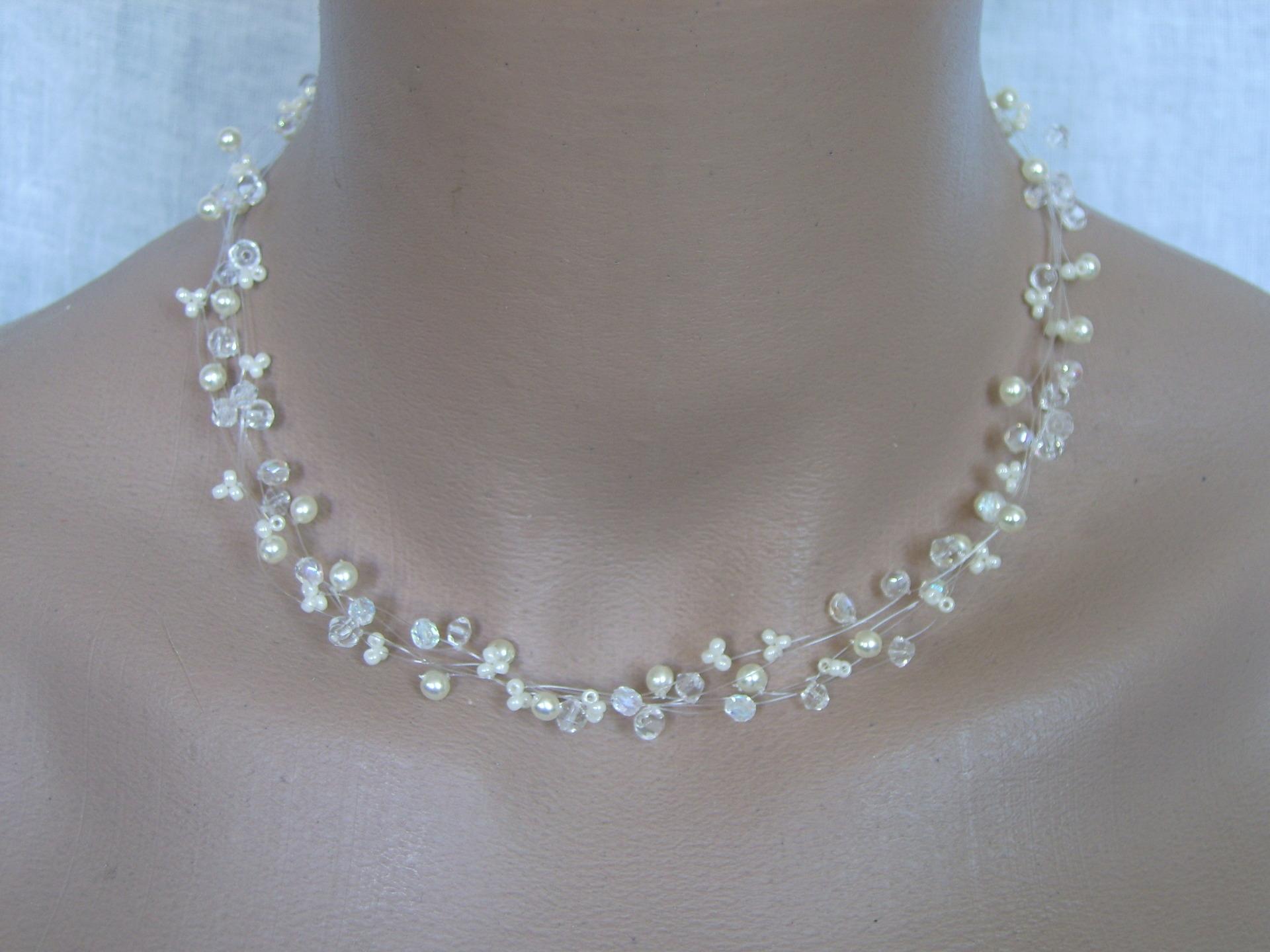 Bijoux mariage pas cher for Robe pour mariage cette combinaison parure bijoux