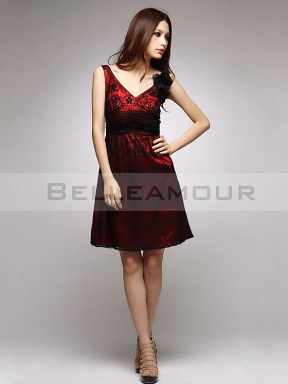 Robes de cocktail rouge et noir